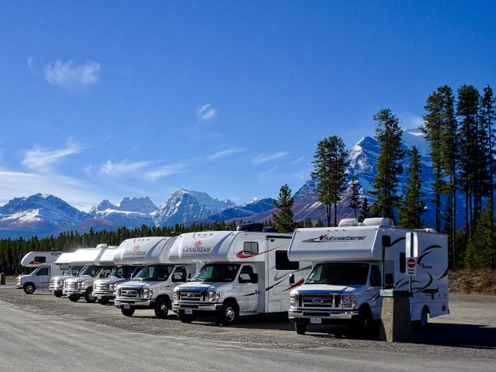 Travel Island: AMERICAN MOTORHOMES AND TRAINS